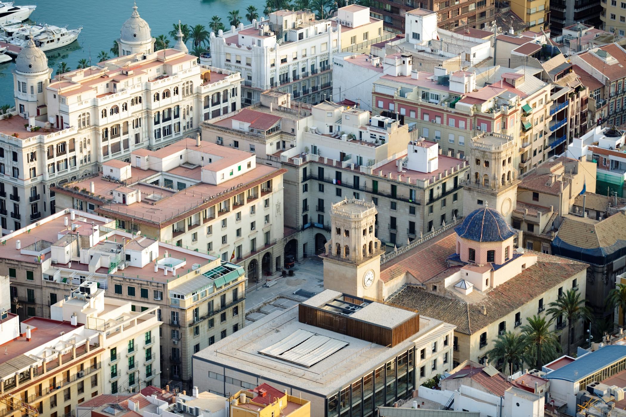 Alicante - Plaza Mayor und Rathaus - © Institut für Tourismus in Spanien (TURESPAÑA) - Vielen Dank für die Unterstützung!